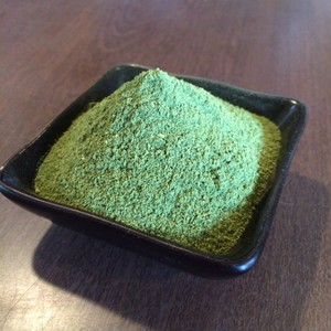 スムージー作りもパンケーキ作りも簡単!緑の滋養食材・クレソン粉