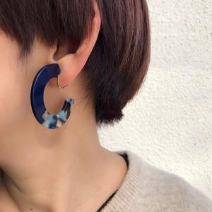 マーブル模様リングプレートイヤリング BLUE