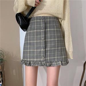 韓国ガールのチェックフリルスカート
