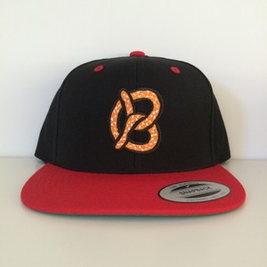 "Snapback Cap ""Pretzel"" / Red × Black"