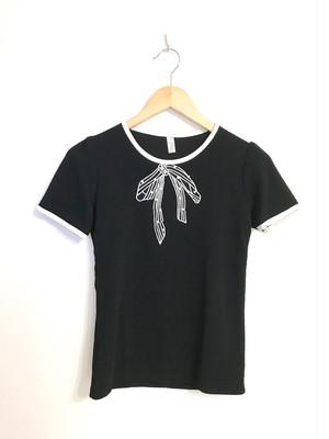 リボン刺繍とパールのパイピングトップス ブラック