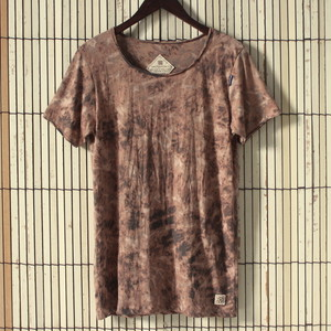 Dyeing tee