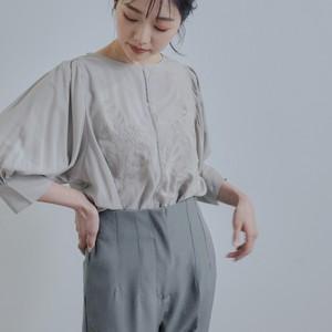 シルクサテン刺繍入りPOブラウス FLH21170