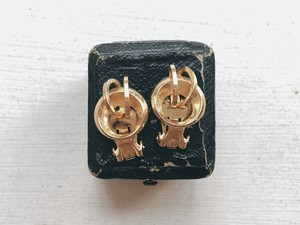 Vintage goldcolor design earring