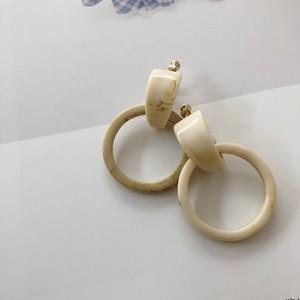 """"""" by no. Lala """"  Bekkō ring earring (ivory)"""