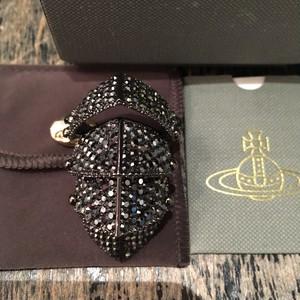 Vivienne Westwood Diamante Regent Armour Ring L