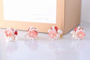「桜色のブーケ」*淡水パールと桜色のお花チェコビーズイヤリング