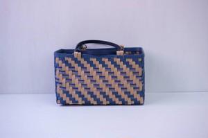 とばし編みの浴衣かごバッグ(紺色×ナチュラル色)