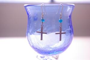 Blue crossピアス