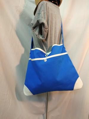 帆布とレザーのコンビショルダーバッグ ブルー