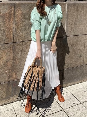 sheer pleats skirt / white (即納)
