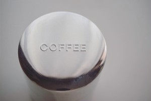CINQ / Coffee can