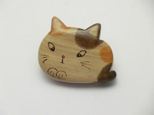 桂の猫ブローチ B1221