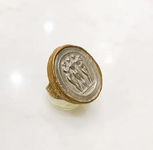 アンティークカメオのモチーフのシルバーカメオに金蒔絵のリング(サイズ直し不可)