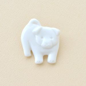 白磁の子犬ブローチ