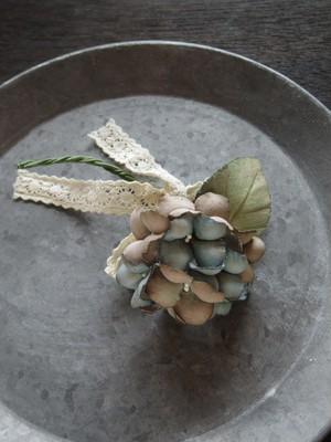 アンティークスタイルの手染め布花コサージュ  モカブラウンとアンティークブルーのアジサイ n-5
