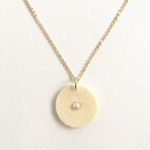 フルートのキーパッドとパールのネックレス  Flute felt key pad pendant (White) ♪ フルート