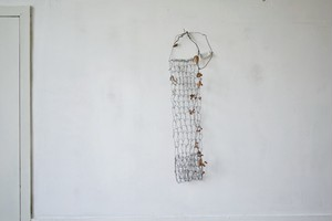 編み網ポケット / tipura studio