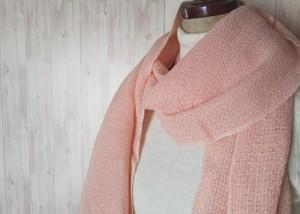 体にそっと馴染んでくれるシルクウール×カシミヤストール 手織り ピンク 914