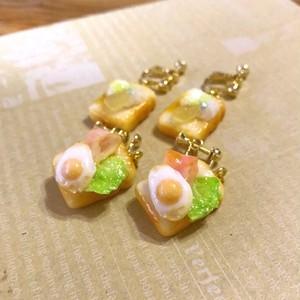 【再販】ベーコンエッグトースト (ピアス)