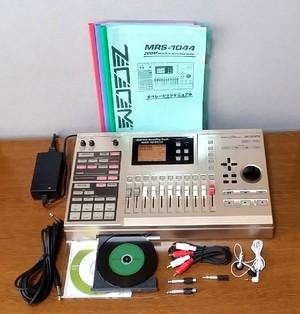 ZOOM Digital Recording Studio MRS-1044CD 録音・編集良好・完動品