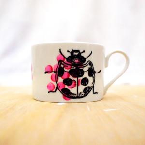 手描きマグカップ(横長サイズ)「てんとう虫」 cup-04