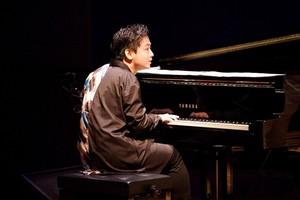 【高雄飛のラウンジピアノ】投げ銭 ¥2000円