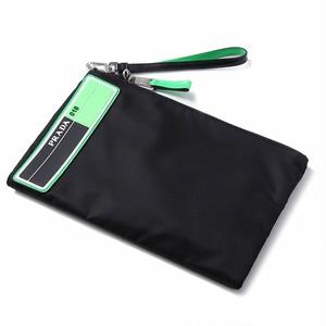 PRADA(プラダ) クラッチバッグ ポーチ ブラック×グリーン r013620
