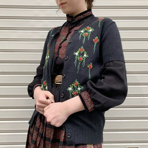 (LOOK) flower embroidery s/s knit cardigan