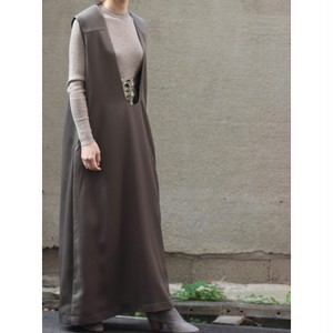 Deep u neck dress / khaki