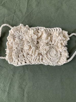 freeform knitting の編みマスク 白