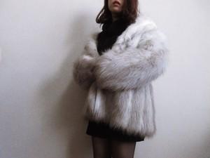 Vintage 80s white faux fur coat