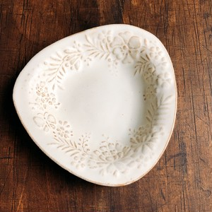 kinari  トライアングル皿 一枚
