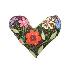 手刺繍のハートクッション 2 / Heart Cousion 2