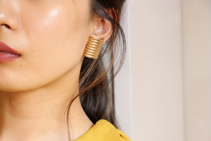 dead-stock golden earrings