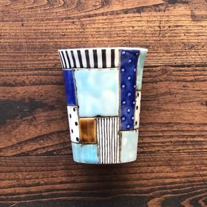 板原摩紀さんのパッチワークカップ(青飴)