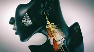 大ぶりピアス 【Feather long chain Earrings】