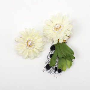circle flower corsage asymmetry(2way)ホワイト