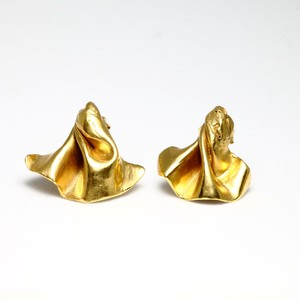 crumpled pierces(gold)