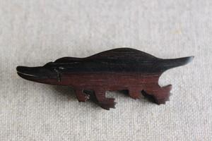 木製カモノハシブローチ