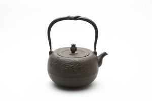 鉄瓶 丸龍 1.4L 岩戸賢一郎