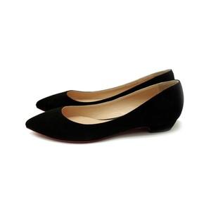 [ モデルサイズ ] 黒スエード ポインテッドトウパンプス. 25.5cm,26cm,26.5cm