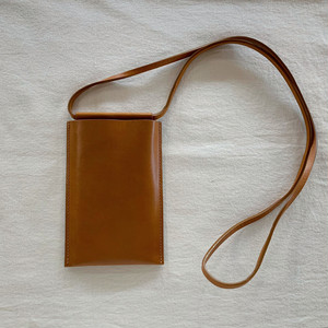 【Building Block】IPHONE SLING(L) IN Chestnut / A=Chestnut
