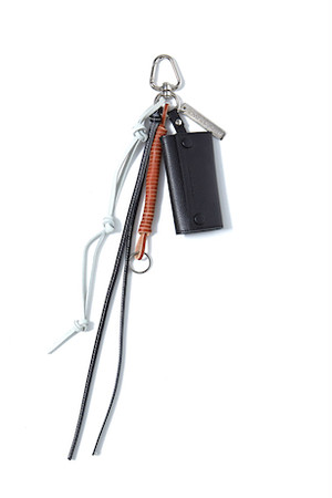 Key Ring With Leather Strap -BLACK- / soe