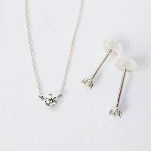 Pt900 小粒ダイヤのネックレス&ピアスセット 0.05ctx3pc