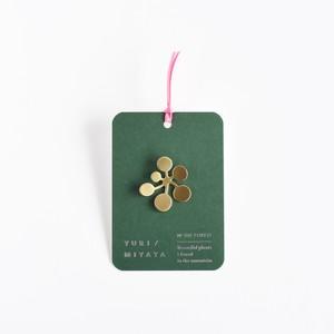【Brooch】Leaf / Circle L brass