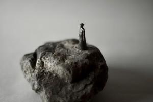 (086) pewter figure-mini石台付_001