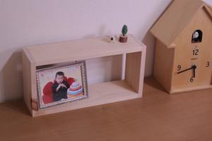 壁にも掛けられるボックスシェルフ