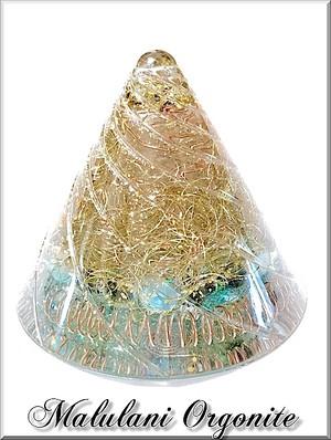 円錐型オルゴナイト*Hexagram《スモーキークォーツ・アクアマリン・ムーンストーン》