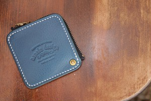Mini zip coin case
